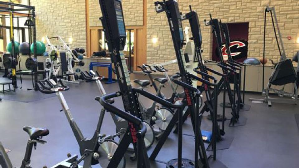 Conheça a máquina de exercícios que trabalha o corpo inteiro e se tornou a queridinha de celebridades e jogadores da NBA