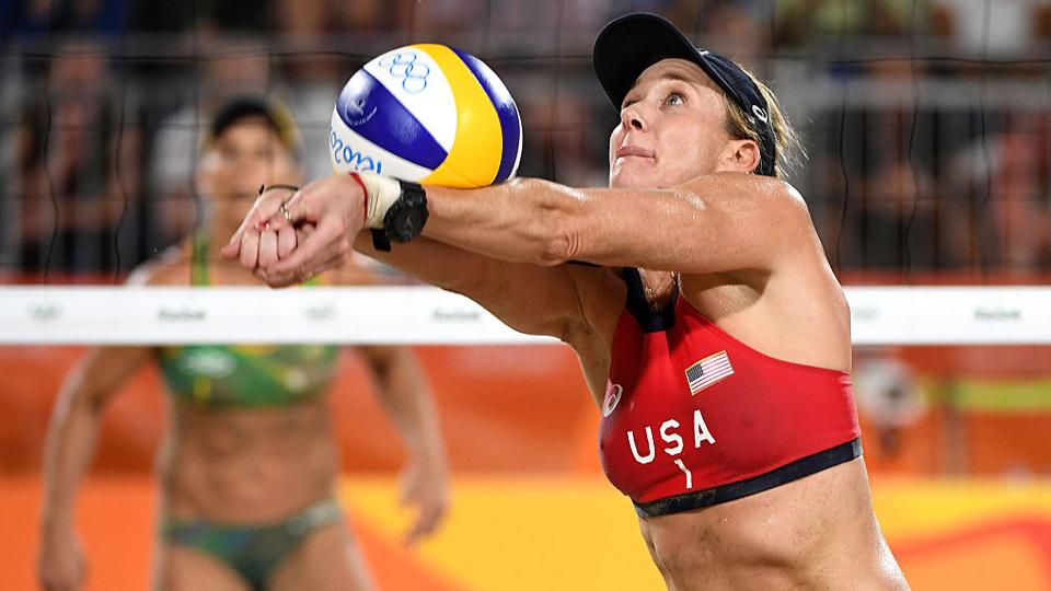 Tricampeã olímpica Kerri Walsh Jennings fala sobre yoga, vôlei de praia e os próximos passos de sua carreira