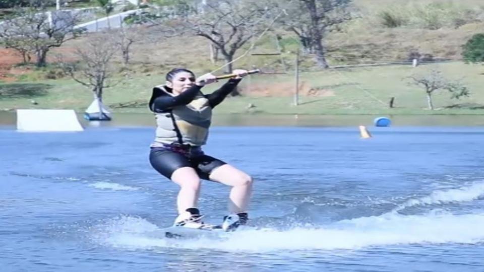 Encarei todas as dificuldades de uma iniciante no wakeboard e me apaixonei pelo esporte