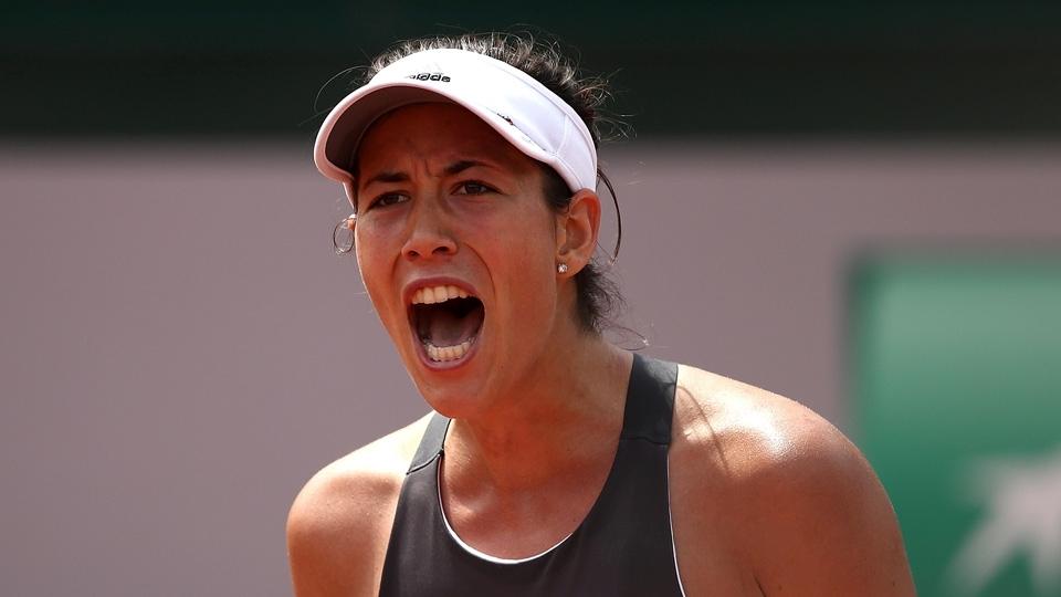Muguruza reclama da torcida francesa e chora após perder em Roland Garros