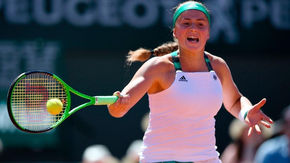 No ritmo do samba, Ostapenko repete Guga e é campeã de Roland Garros aos 20 anos