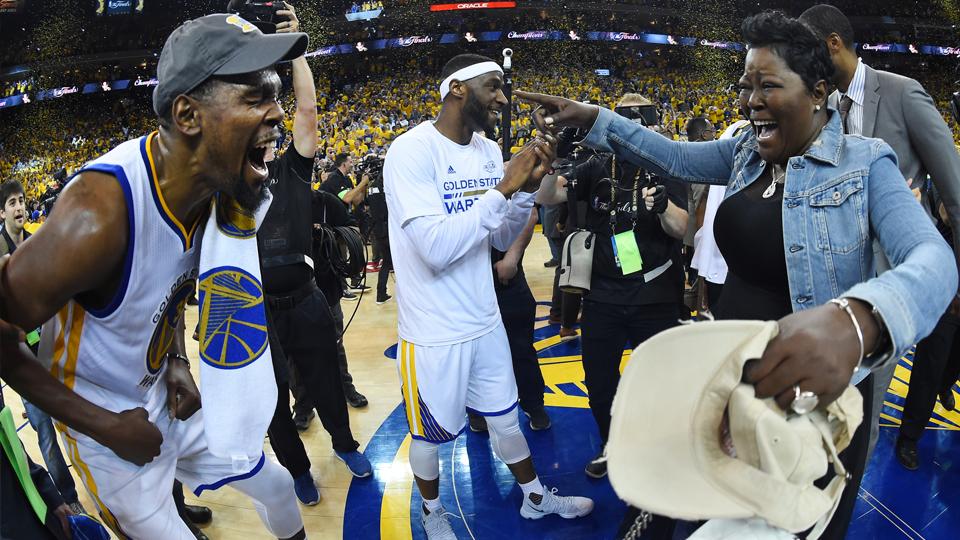 Uma mulher chamada Wanda: mãe de Kevin Durant é a grande responsável pelo sucesso do MVP das finais da NBA