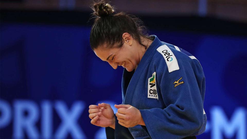 Ouro de Mayra Aguiar no judô, derrota de Bethe Correia no MMA e muito mais no melhor do fim de semana esportivo