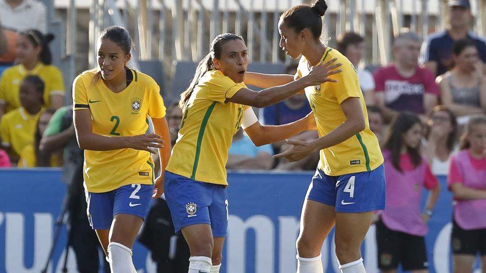 Com Marta, três novidades e alguns retornos, Emily Lima convoca Seleção Brasileira para amistoso contra Alemanha