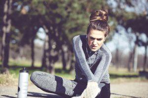 Aquecimento e alongamento são fundamentais para evitar lesões, principalmente no inverno (Getty Images)