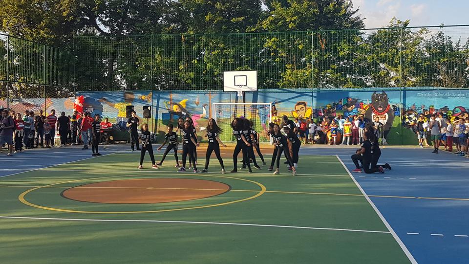 ESPN constrói quadra em comunidade da zona oeste de São Paulo para incentivar o esporte entre os jovens