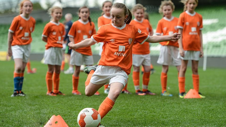 Conheça o incrível Soccer Sisters: programa que incentiva meninas no futebol há 10 anos na Irlanda