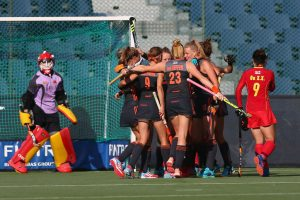 BRUSSELS, BELGIUM - JULY 02: The Netherlands players celebrate after Caia van Maasakker scores the opening goal during the Final match between the Netherlands and China on July 2, 2017 in Brussels, Belgium. (Photo by Steve Bardens/Getty Images for FIH)