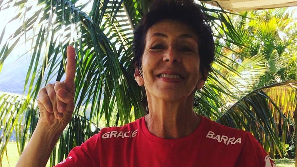 Vera Cals: 72 anos e faixa roxa de jiu-jitsu