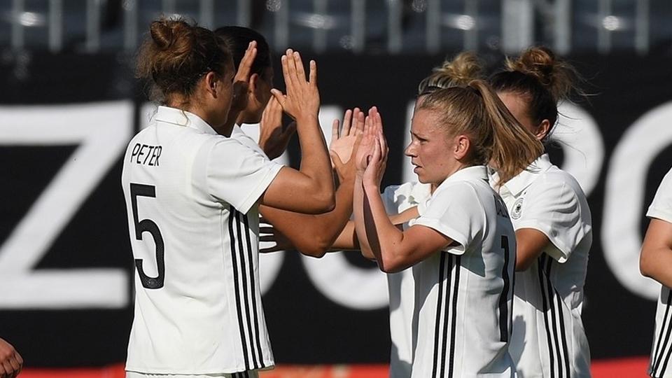 Quem pode parar a Alemanha? Confira a análise dos grupos A e B da EURO 2017