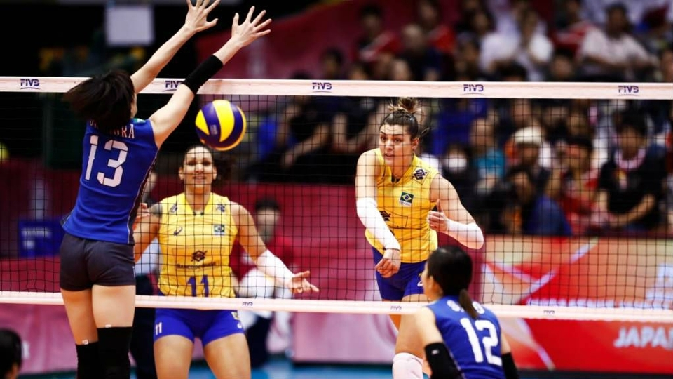 Brasil perde para o Japão e se complica no Grand Prix