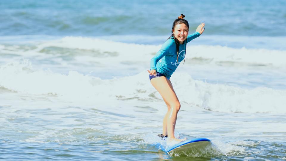 Mais que um esporte, o surfe também pode ser instrumento de união e empoderamento feminino