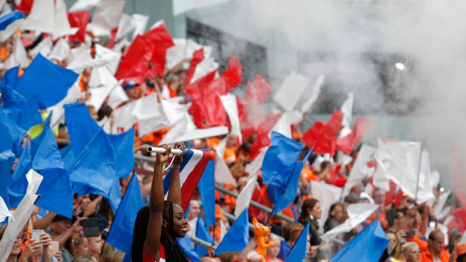 Goleada histórica, queda de tabus e jogos equilibrados: Confira como foi a primeira rodada da EURO 2017