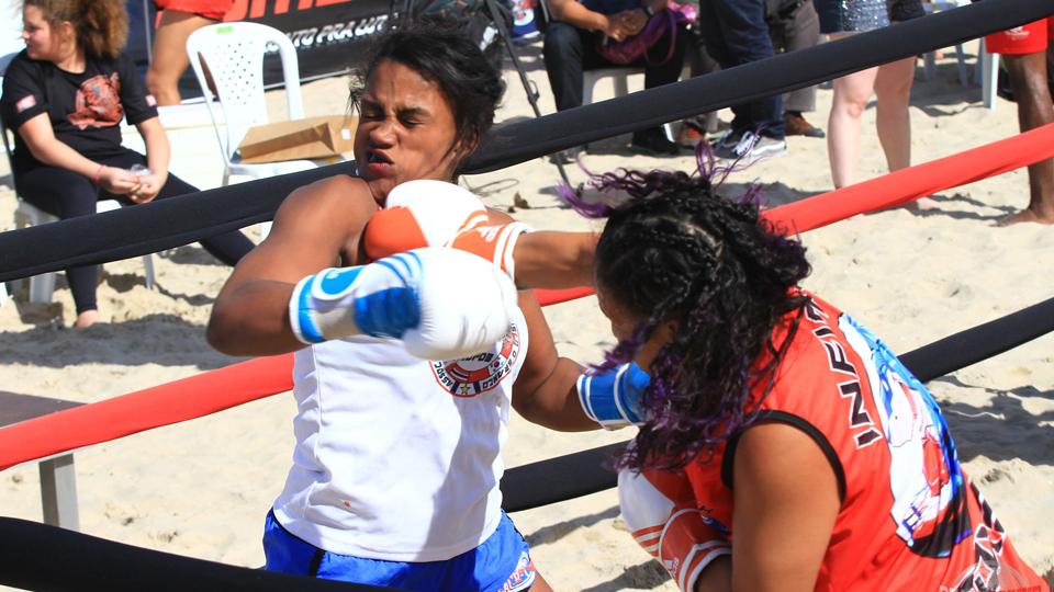 Mulheres lutarão pelo título da 2ª Etapa do BeachBoxing, no Rio de Janeiro