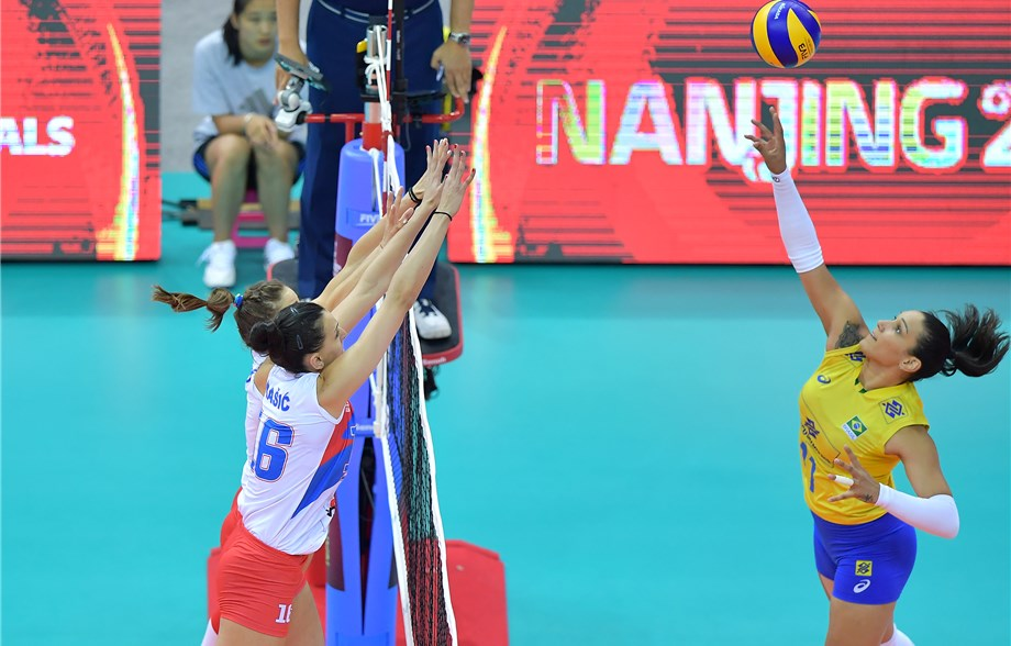 Tandara arrebenta, Brasil vence Sérvia e vai à final do Grand Prix
