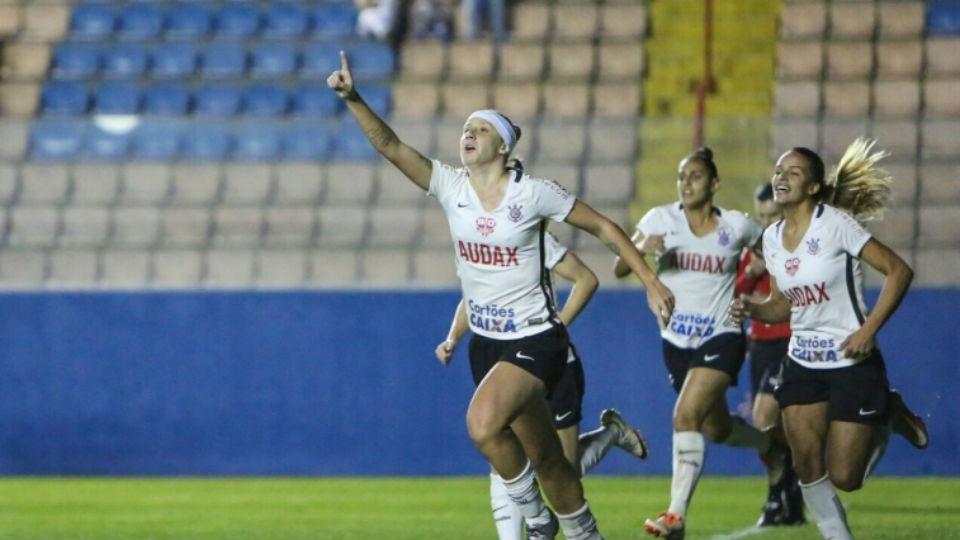 De olho na Libertadores, Corinthians feminino troca 'suco de caixinha' por dieta personalizada